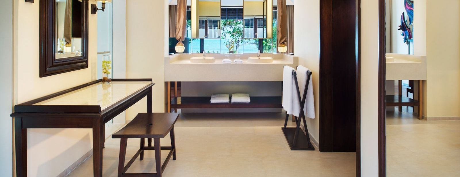 Tropical Pool Villa Bathroom